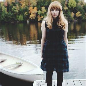 🇨🇦 Rosehound Apparel green plaid dress w pockets